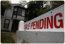 El Desempleo, La Confianza del Consumidor y El Estándar de Préstamos Afectan a Las Casas Pendientes de Venta.